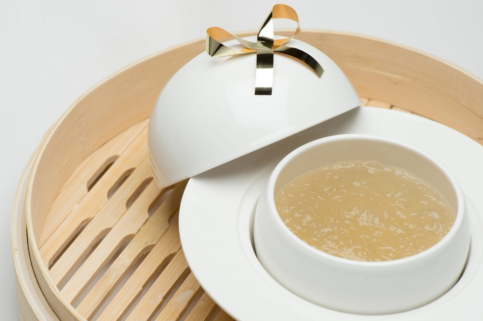 Edible birds nest soup with rock sugar dessert